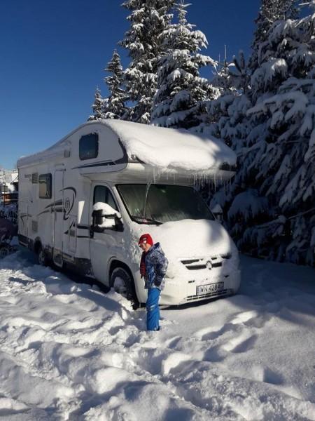 wycieczka zimowa kamperem