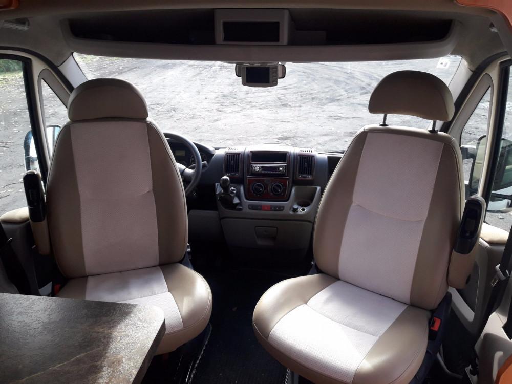 Peugeot Boxer - siedzenia pasażerskie