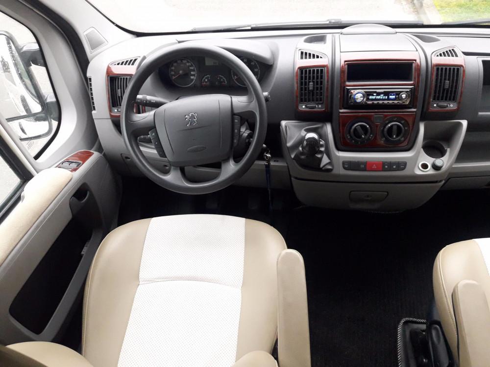 Peugeot Boxer - kabina kierowcy